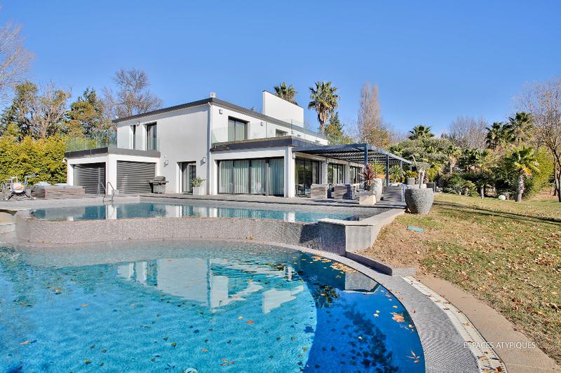 Maison, 533 m²