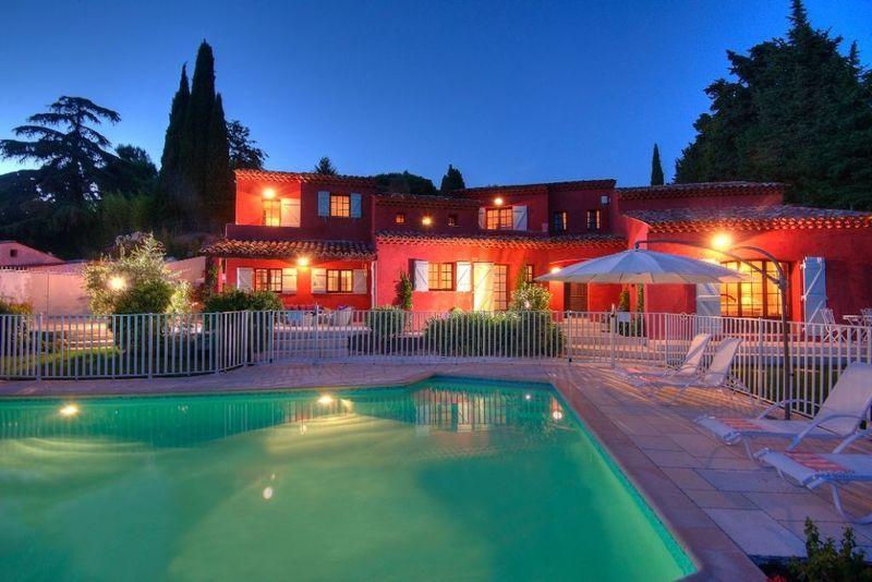 Maison, 216,1 m²