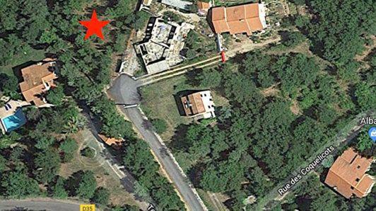 Terrain, 1 400 m²