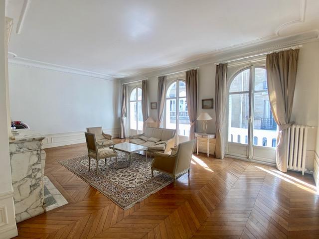 Appartement, 249,87 m²