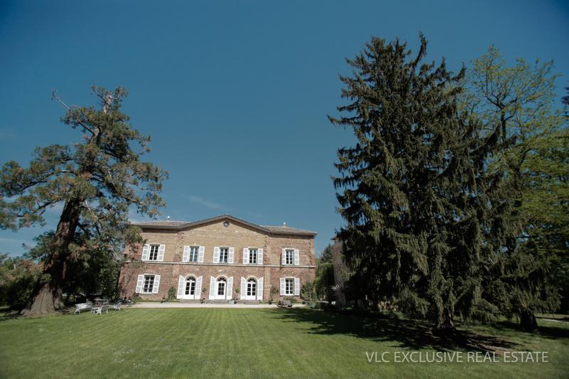 Maison, 1 380 m²