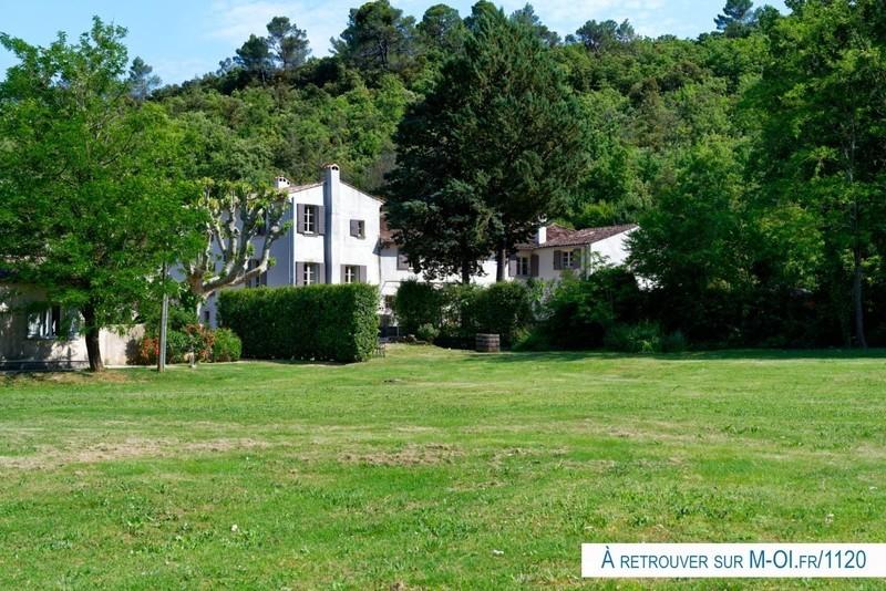 Maison, 840 m²