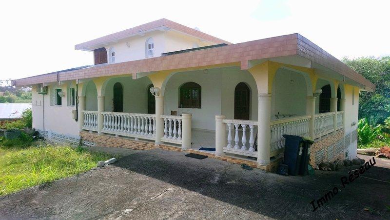 Maison, 715 m²