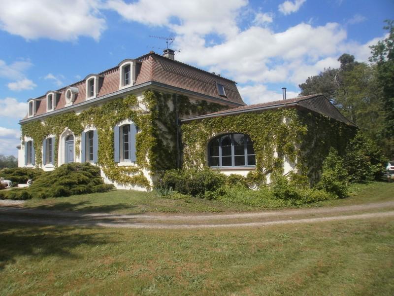 Chateau, 345 m²