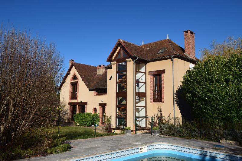 Maison, 385 m²