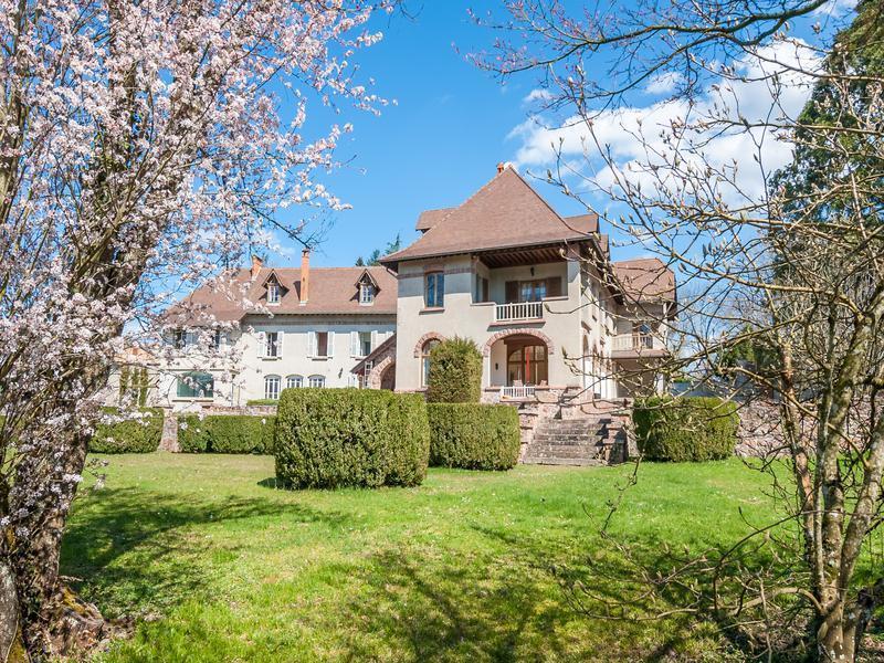 Maison, 940 m²