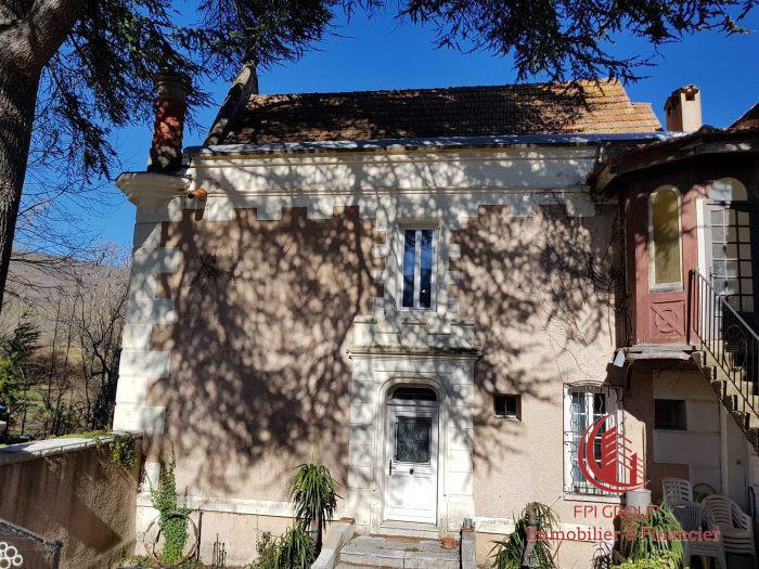 Maison, 920 m²