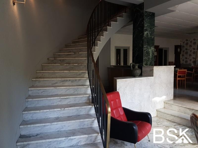 Immeuble, 975 m²