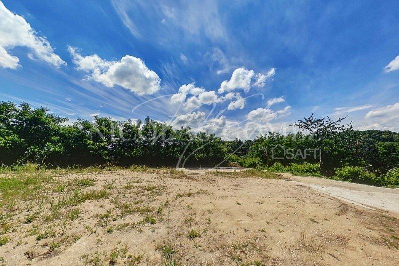 Terrain, 1 096 m²