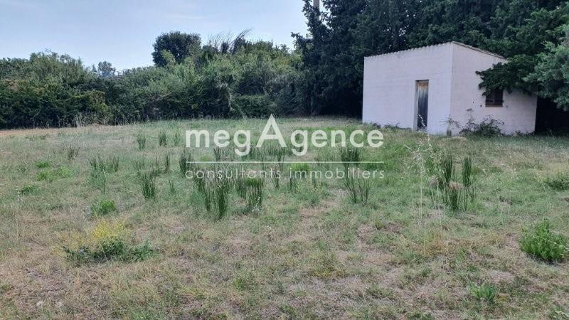Terrain, 637 m²