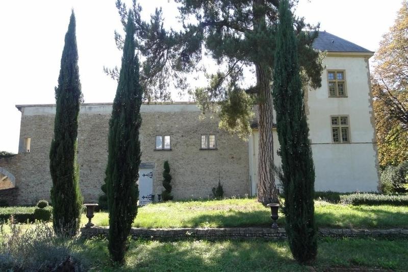 Maison, 957 m²