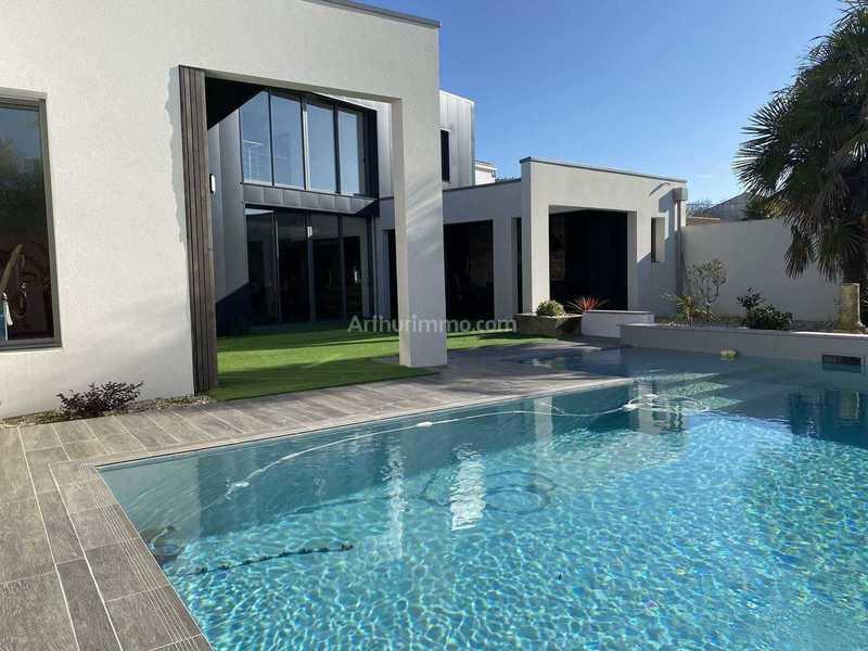 Maison, 277,48 m²