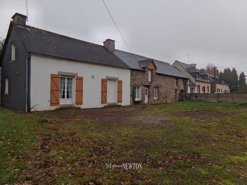 Maison, 1 590 m²