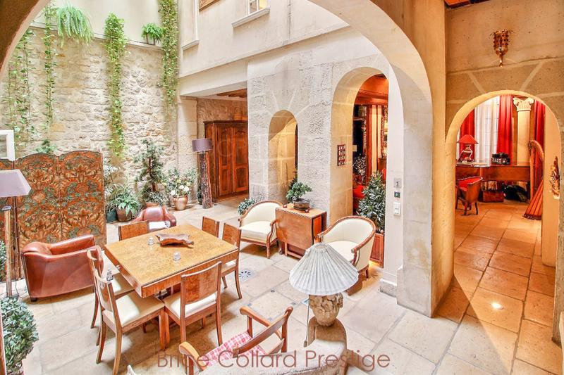 Maison, 640 m²