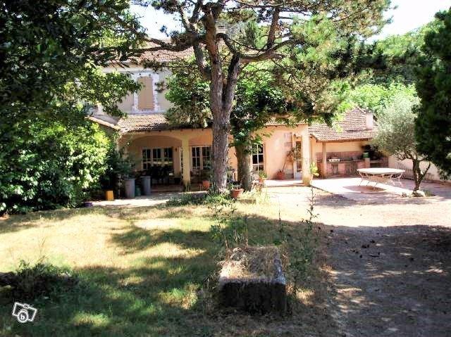 Maison, 1 150 m²