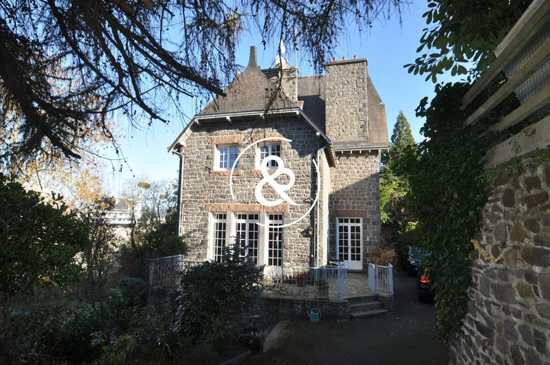 Maison, 238 m²