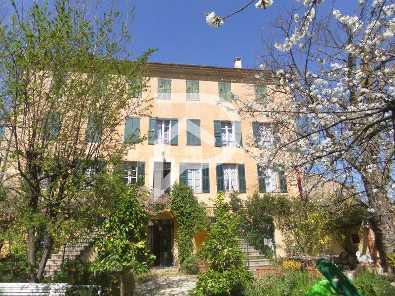 Maison, 1 250 m²